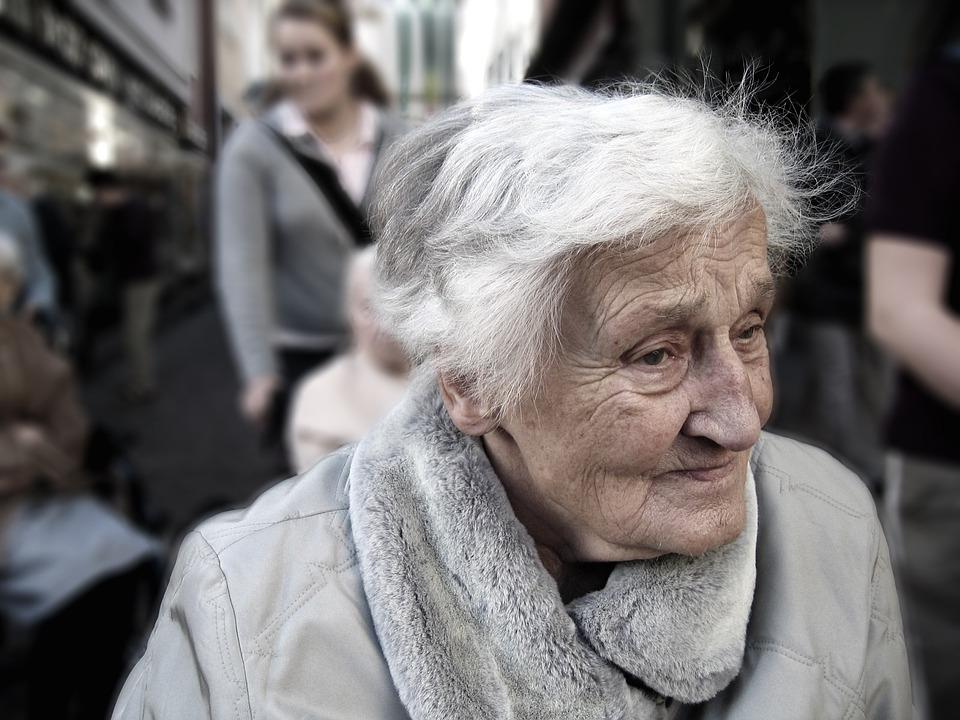 英国の老夫人