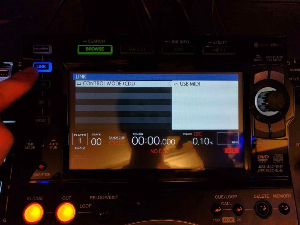 「CDJコントロール TRAKTOR チャンネル」の画像検索結果