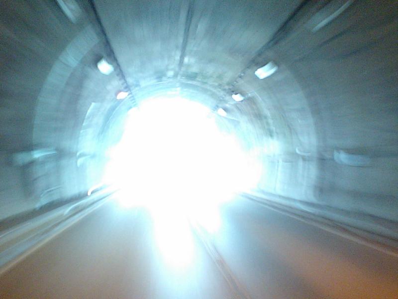 トンネルを抜けるとそこは・・・の画像