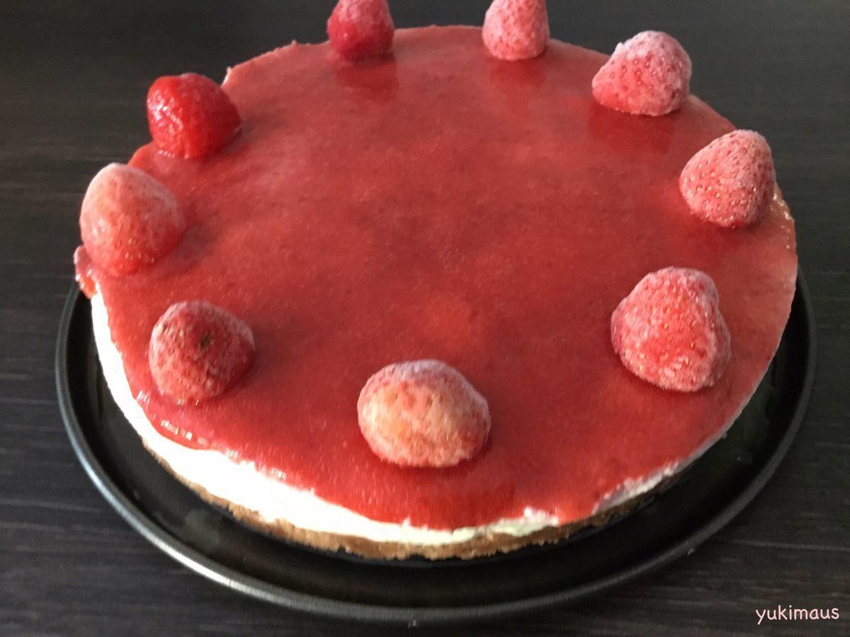 白砂糖不使用レシピ。イチゴソースがけ焼かないチーズケーキ