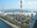 マリンライナーの車窓から,コスモ石油坂出製油所(香川県)