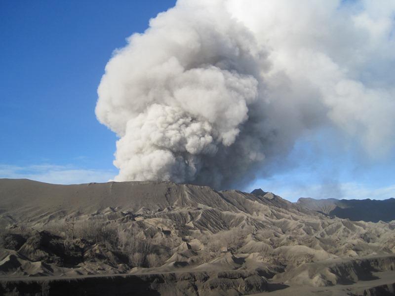 ブロモ火山(東ジャワ州,インドネシア)