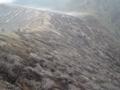 イジェン火山(火口は左方向)(東ジャワ州,インドネシア)