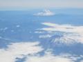 セント・ヘレンズ山(手前),アダムズ山(奥)(ワシントン州,USA)