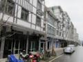 白黒デザインの長屋だけの街(笑(中国重慶市奉節県興隆鎮の新市街)