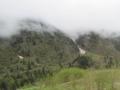 氷河と草原(笑(中国四川省アバ自治州黒水県,302省道沿い)