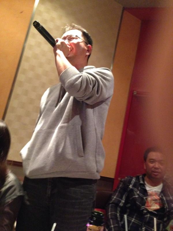 金子監督、熱唱