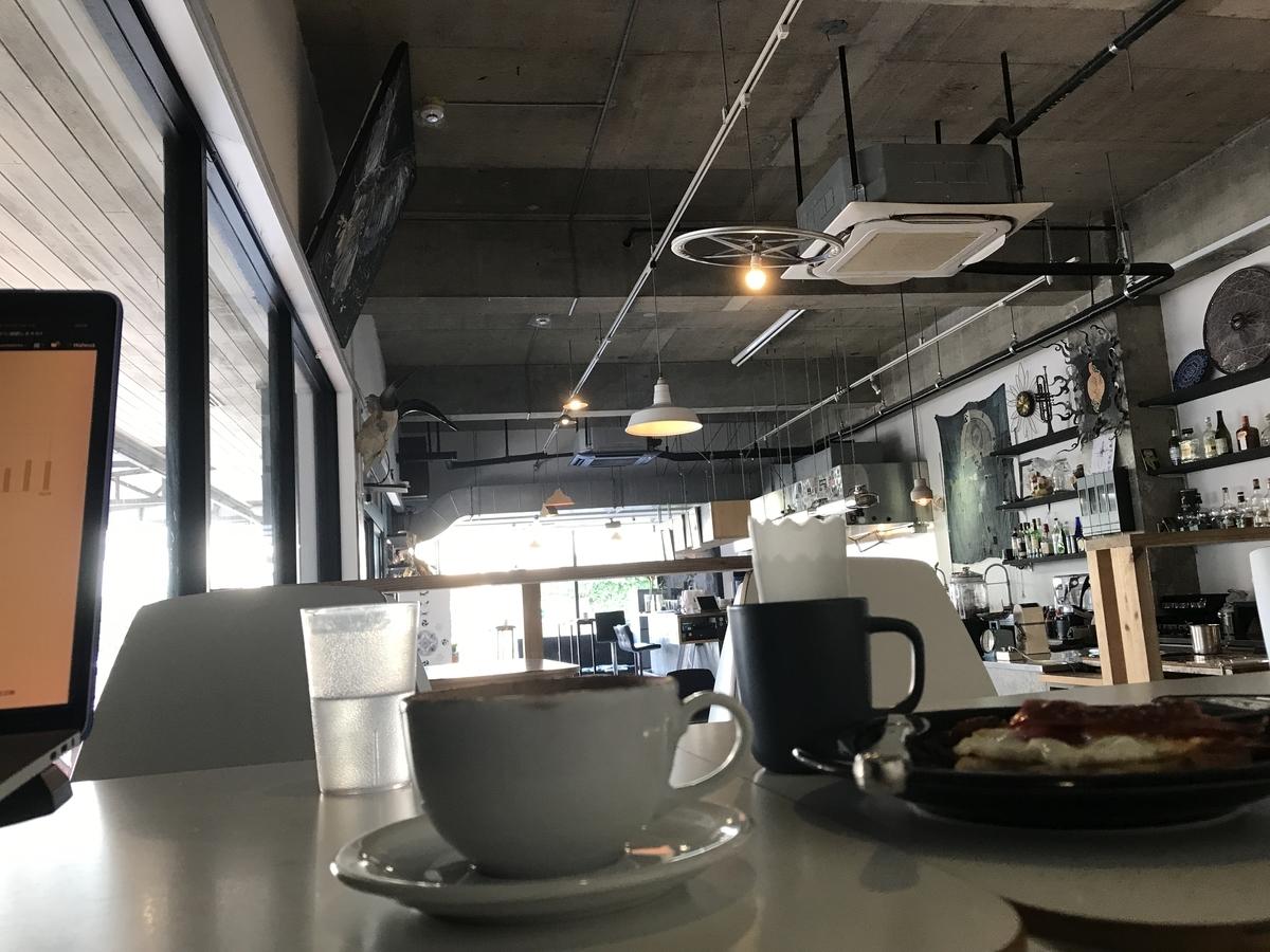AIEN COFFEE & HOSTEL(アイエン コーヒー&ホステル) 店内