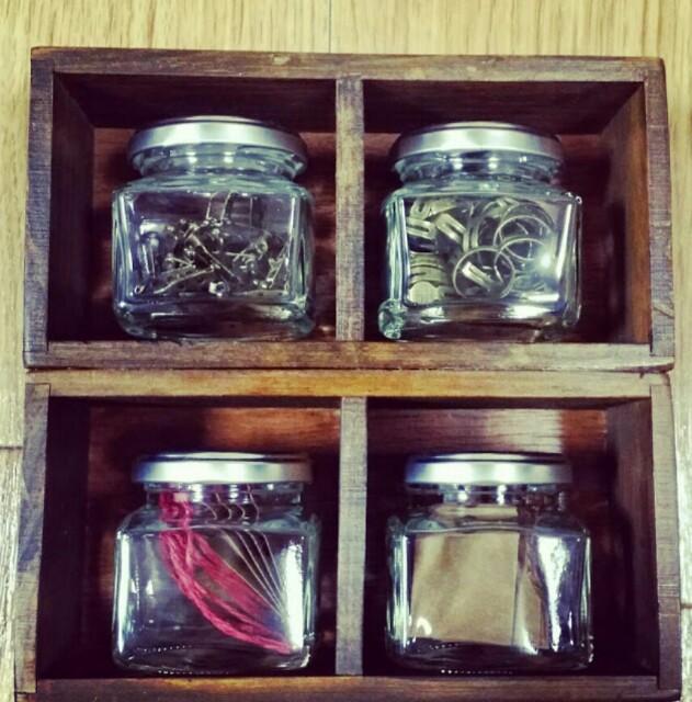 100均DIYの小物収納棚