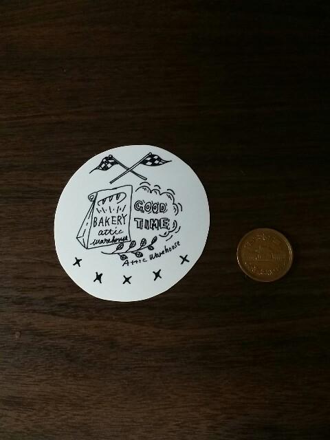 10円とセリアのプラバンを比べる