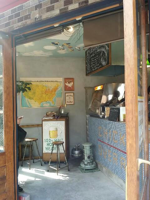 天満橋カフェ巡りで立ち寄ったニューヨークチキングリル店内