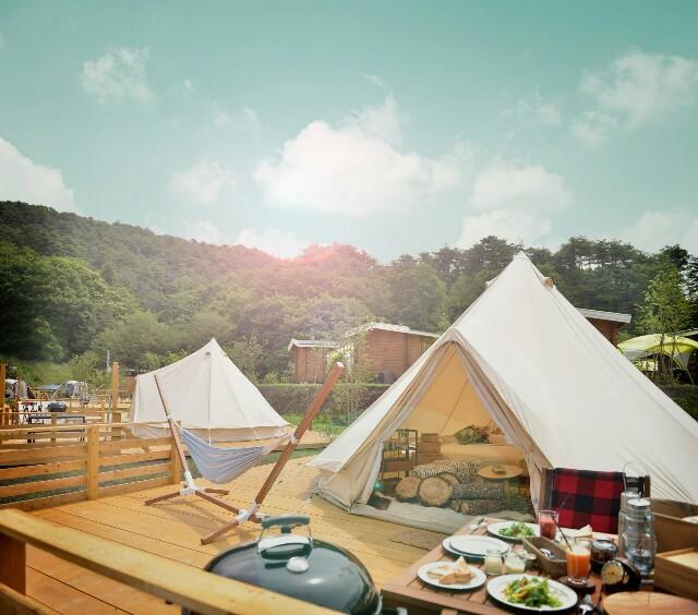 グランピングキャンプ