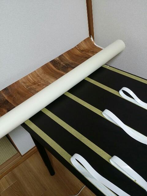 イケアテーブルに壁紙を貼る方法