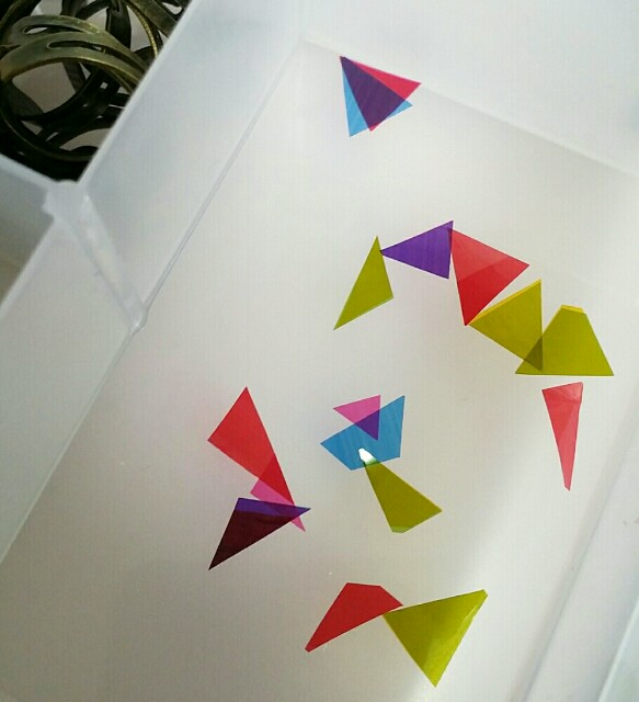 プラバンとカラーセロハンで幾何学模様