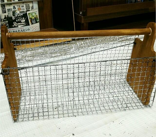 カッティングボードDIYの収納カゴ