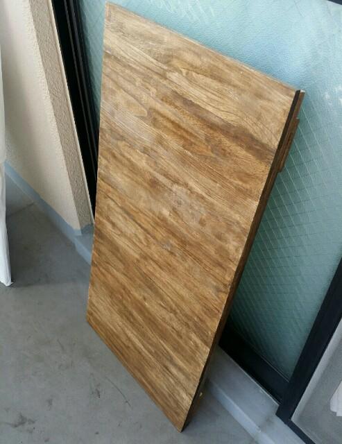 ダイソーの木の板で作る作業台
