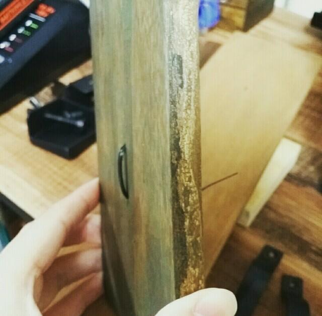 木材に結束バンドを通す