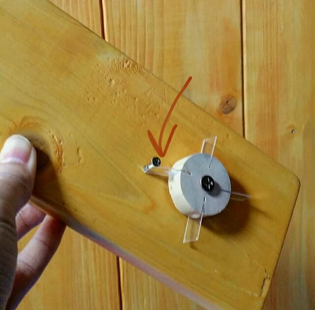 カチカチ鳴るスイッチの仕組み