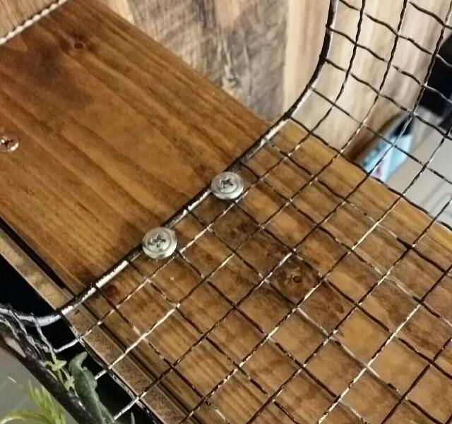 DIYキッチンカウンター家具に焼き網棚を取り付ける方法