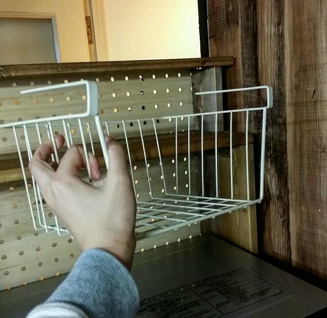 隙間収納で使えるワイヤーカゴ