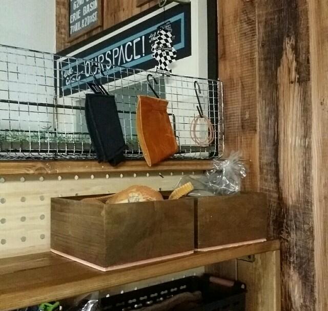 焼き網とS字フックででキッチン周りに収納を作る方法
