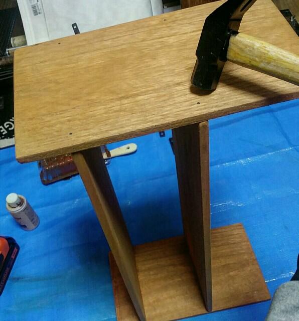 100均DIYと木工ボンドでの棚の作り方