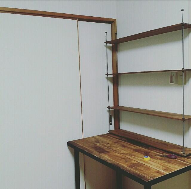 イケアの天板で作る机を壁紙で作業デスクにリメイクする