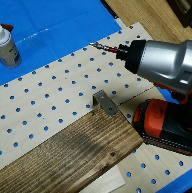 100均DIYで棚板を作る方法