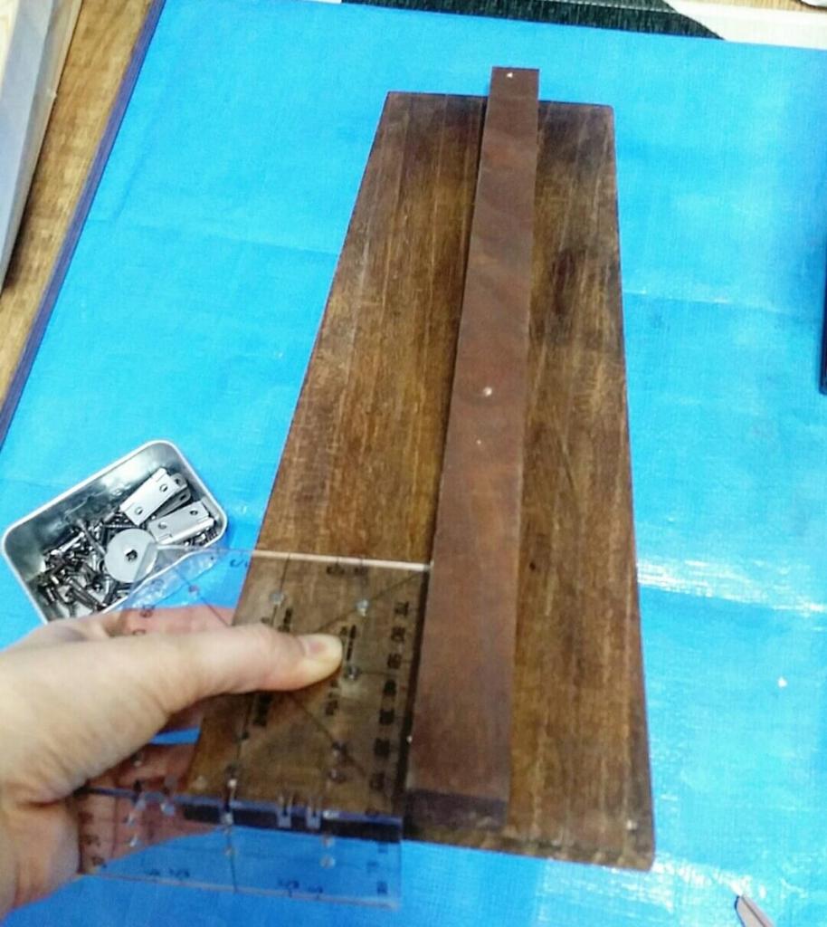 ツーバイフォー定規と木の板