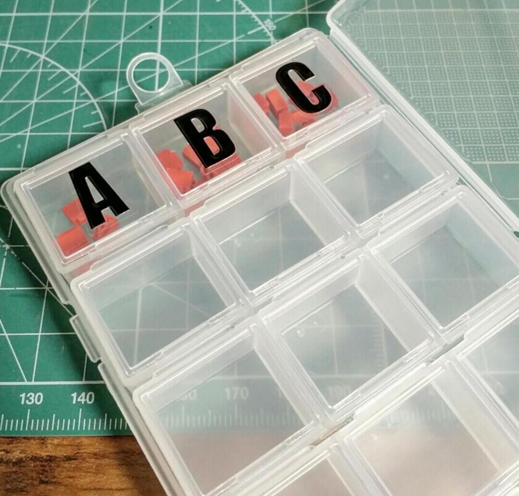 アルファベットで作る手作りスタンプキッドの収納を100均で作る