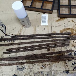 100均の水性ニスで塗装した木の棒