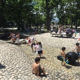 大通公園の游水路