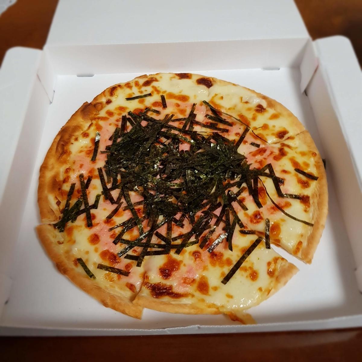 サイゼ持ち帰りのたらこソースのピザ