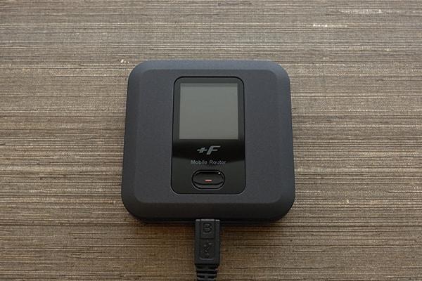 ネクストモバイルのルーター「FS030W」を充電