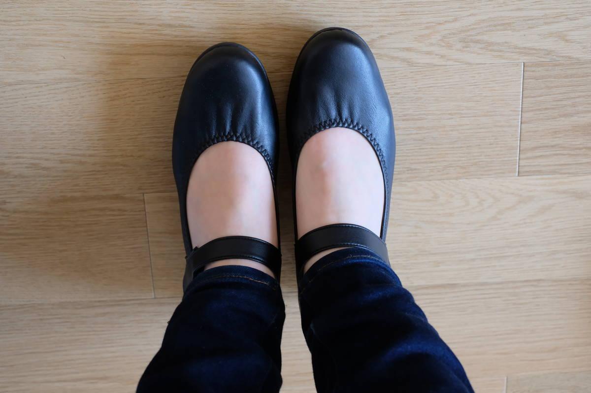 痛くならない幅狭靴!!「ファーストコンタクトのパンプス」【実物レビュー】