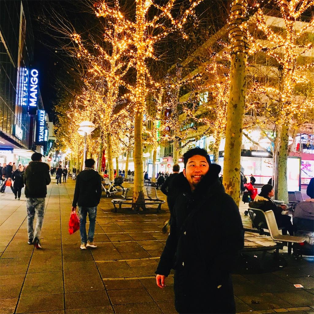 f:id:makikosuwa:20181208081859j:image