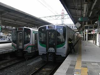 仙台駅 JR東721系(並び)