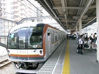 東京メトロ10000系8R 中村橋