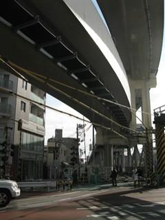 路盤のつながっている高架橋