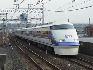 東武100系リニューアル車105F