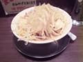 ジャンクガレッジ東京ラーメンストリート店 ラーメン(ヤサイニンニ