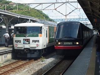 185系B4編成[踊り子]/伊豆急2100系黒船電車