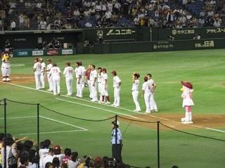 整列する選手