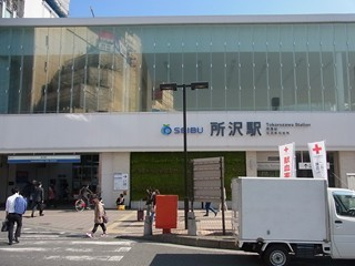ソードアート・オンライン所沢西口駅舎