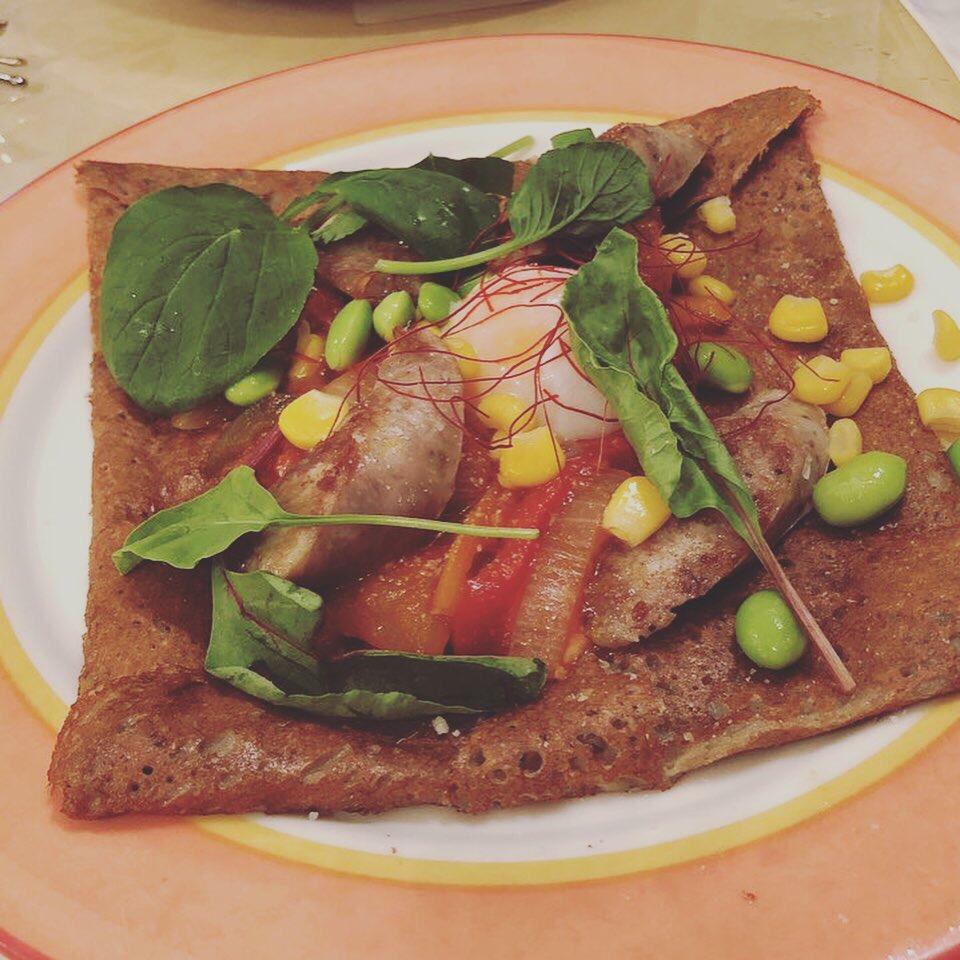 サルシッチャと夏野菜のトマトソース