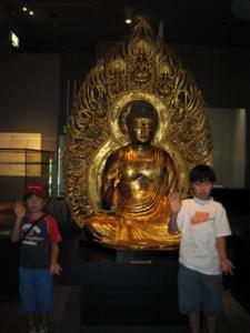 銚子・常灯寺の薬師如来の模造