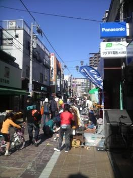 大久保商店街の収穫祭