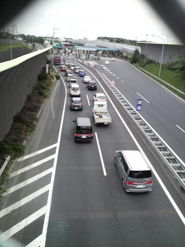 渋滞の始まった千葉西料金所