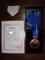 賞状とメダル