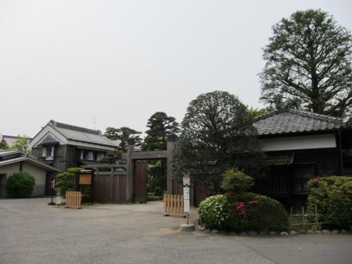 旧堀田邸 冠木門と門番所と土蔵